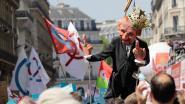 Macron aan de galg: 40.000 Parijzenaars op straat tegen hun president