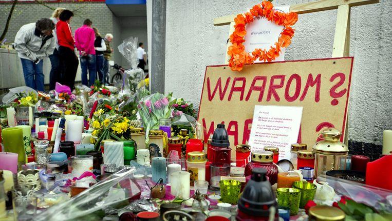 Bloemen voor slachtoffers schietpartij in Alphen a/d Rijn. © ANP Beeld
