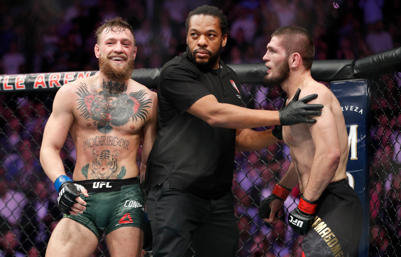 McGregor (L) en Khabib.