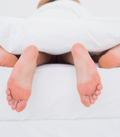 Vertel ik een vriendin dat haar man vreemdgaat? En andere vragen over liefde en seks