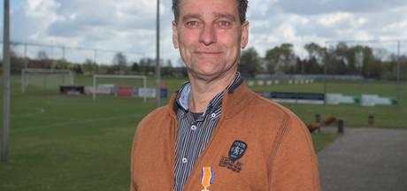 Lintje voor FC Drunen-vrijwilliger Jaap Verstraate