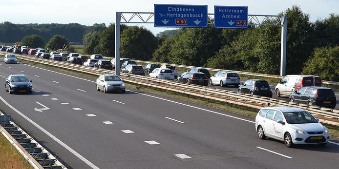 Bij knooppunt Bankhoef in Wijchen A326/A50 staat er bijna altijd file in de spits.