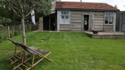 Primeur voor Vlaanderen: logeren in een originele noodwoning uit 1919