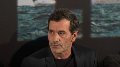 """Koen De Bouw is te zien in 'Grenslanders': """"De Nederlanders moesten toch even wennen aan alcohol op de set"""""""