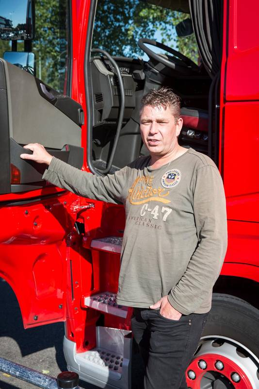 Vrachtwagenchauffeur Hans van Westerop kon 2 jaar en 8 maanden niet werken. Hij claimt tienduizenden euro's immateriële schade.