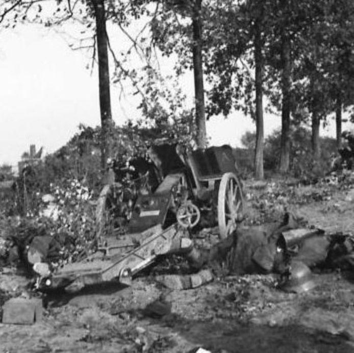 Een  verslagen Duitse eenheid bij Nuland.