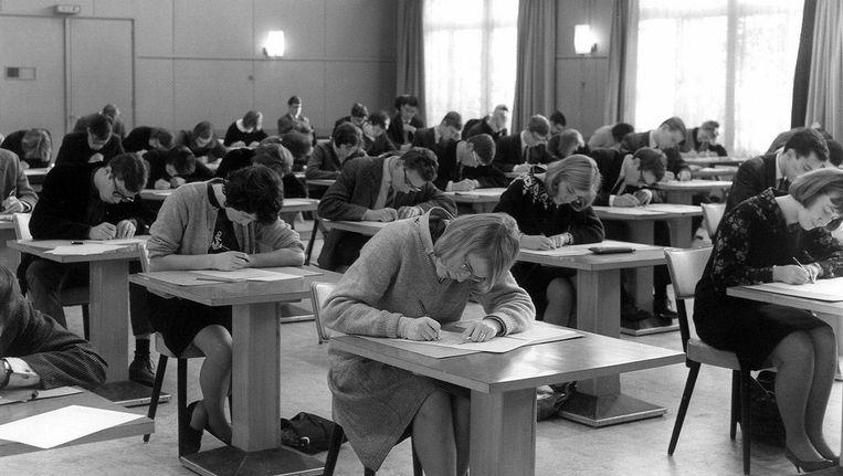 Examens op het hbs in 1965. Beeld Het Utrechts Archief