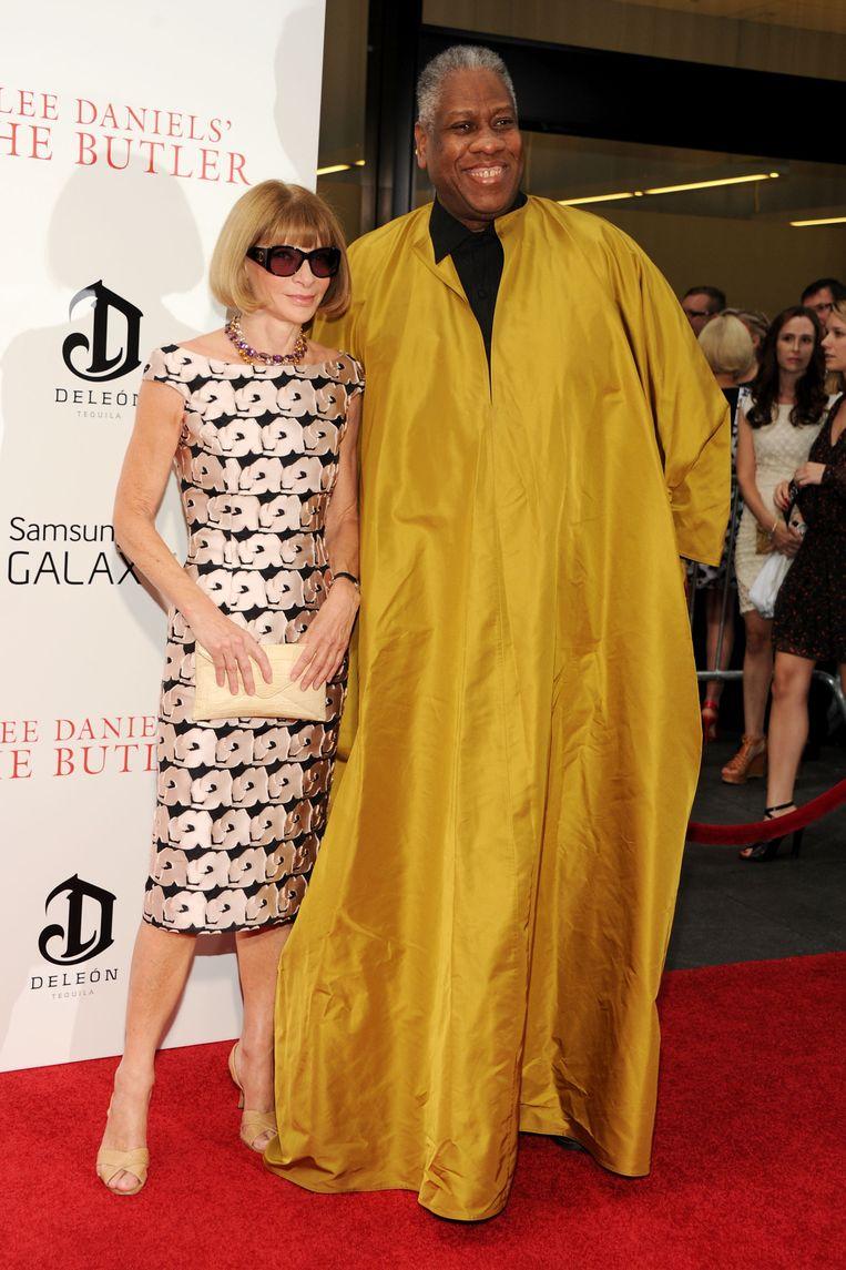 Anna Wintour, hoofdredacteur van de Amerikaanse Vogue, en haar voormalige rechterhand Leon Talley in 2013.  Beeld Getty