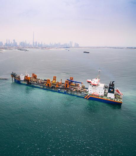 Baggeraar Van Oord scoort megaklus in Dubai