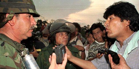 Was het een staatsgreep of heeft de Boliviaanse president zijn krediet bij het volk verspeeld?