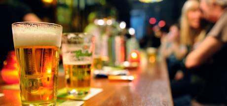 Café Bakker in Twello krijgt een coronaboete van 5000 euro na bezoek mystery guest