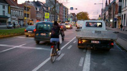 Lossende vrachtwagens op N9 grote ergernis