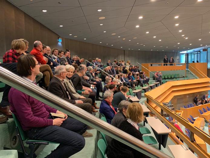 De Zeeuwse delegatie op de publieke tribune van de Tweede Kamer.