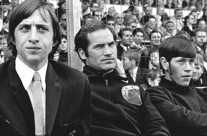 Johan Cruijff,  Ruud Suurendonk en Gerrie Mühren in 1969.