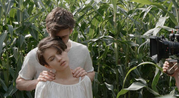 Een still uit de pornofilm Corn van Angelo Raaijmakers. De film is tussen 22.00 en 6.00 uur te zien op de website van de VPRO.