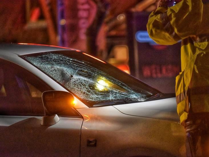 Voetganger zwaargewond na aanrijding met auto in Breda; traumaheli opgeroepen