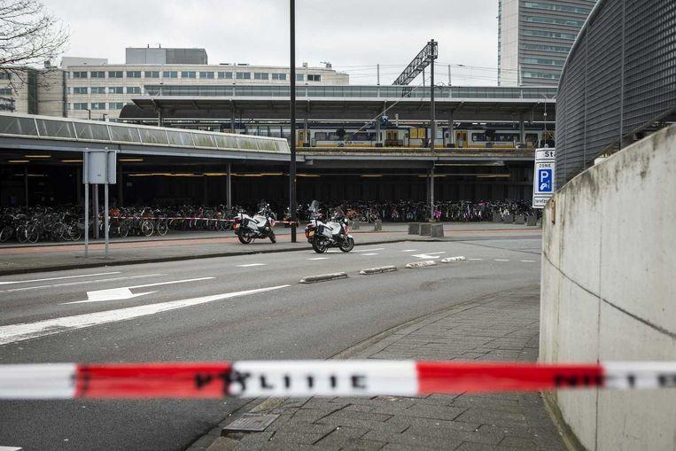 Het station Hoofddorp werd tijdelijk afgesloten. Beeld anp