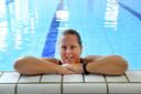 Miriam Trommelen heeft borstkanker. Ze zou mee willen zwemmen met Swim Against Cancer in Breda eind augustus. Dat kan niet vanwege het vervuilde water in Breda. Ze oefent in De Vennen en zwemt straks elders.