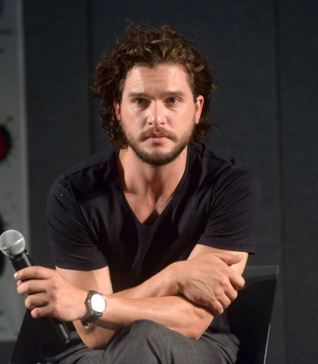 Kit Harington doneert geld aan fans Game of Thrones