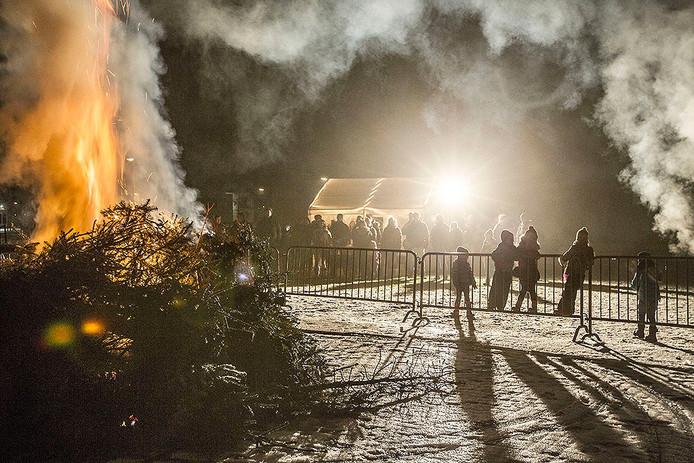 Kerstboomverbranding in Beek en Donk