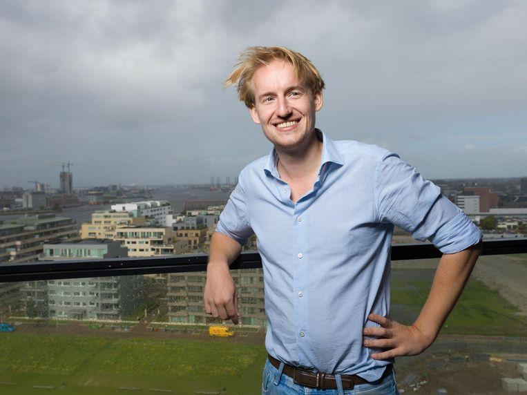 Jip Samhoud, ondernemer en oprichter van de VR bioscoop. In zijn appartement in Amsterdam Noord met uitzicht op het IJ Beeld Ivo van der Bent