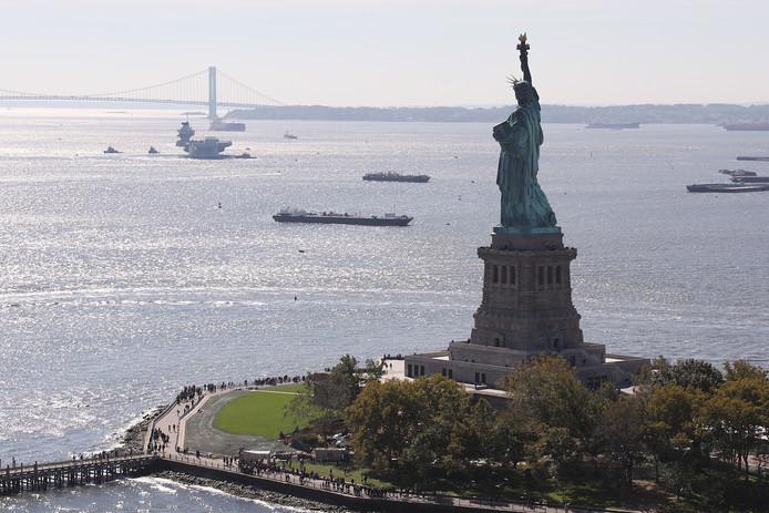 Het Vrijheidsbeeld is twee keer zo klein.