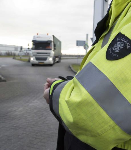 Van corruptie verdachte douaniers op vrije voeten