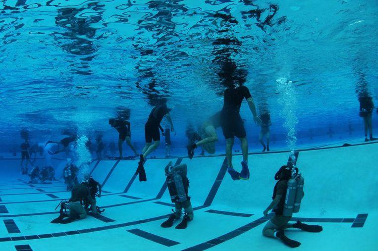 US Navy SEAL's, de commando's van de Amerikaanse marine, tijdens hun opleiding. Voor de commando-actie tegen Bin Laden werd SEAL Team Six uitgekozen, de beste eenheid van de SEAL's. Beeld US Department of Defense