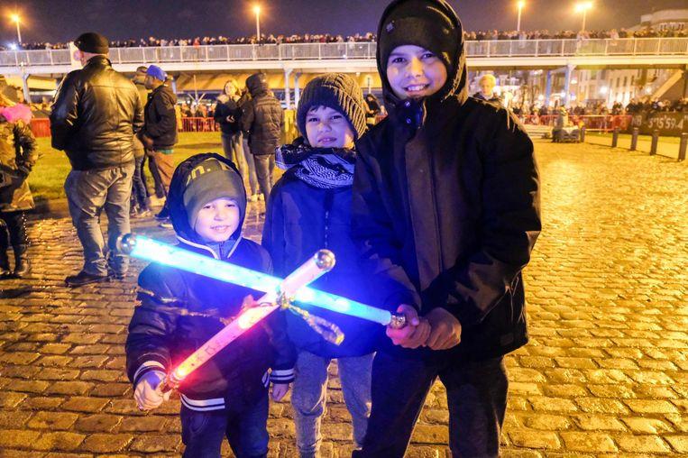 Star Wars-fans Rejhan (10), Hajdar (8) en Illy (5) genoten met volle teugen van het vuurwerk.