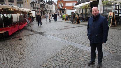 Nieuwe opstelling wekelijkse markt maakt in zomer meer terrassen mogelijk