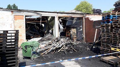 Luguber: verzekeringsmakelaar vindt 10 dagen na zware brand in loods verkoold lichaam