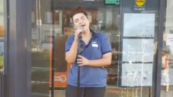 Lily Taylor-Ward, employée du supermarché Lidl de Sandiacre.