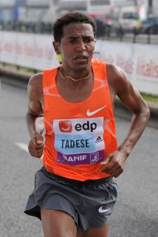 Wereldrecordhouder Zersenay Tadese loopt Montferland Run