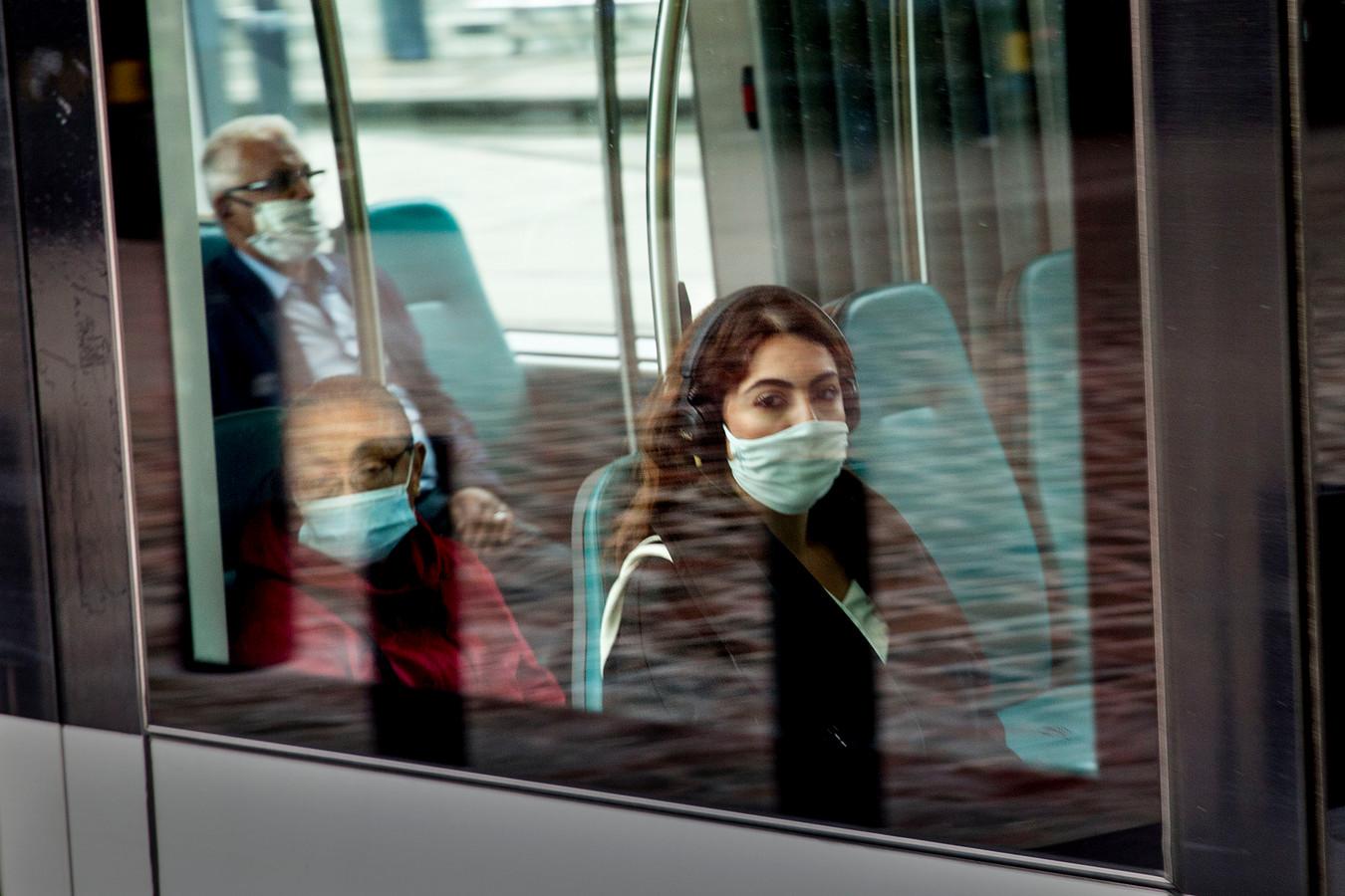 De RET zag de dag na de persconferentie direct een scherpe daling van het aantal reizigers.