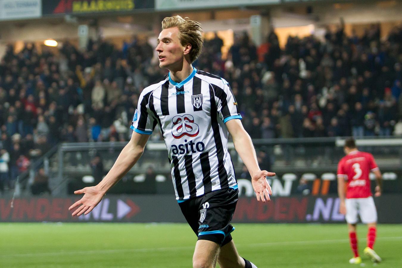Vincent Vermeij zit vooral op de bank bij Heracles.