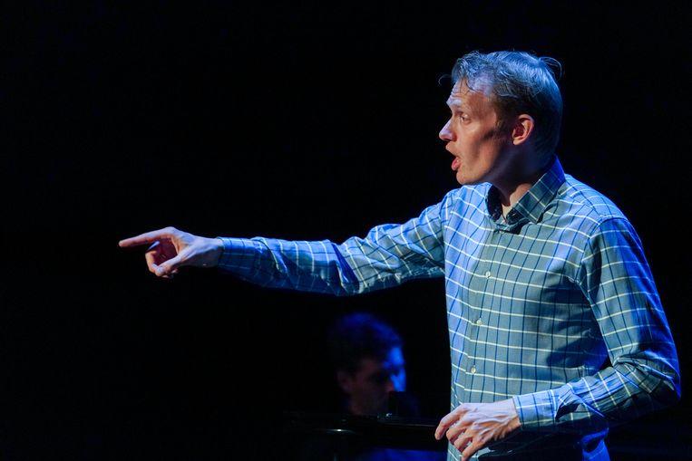 cabaretier Jan Beuving in 'Rotatie' Beeld Jaap Reedijk