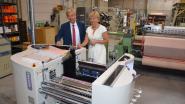"""Textielsector investeert 200.000 euro in moderne apparatuur voor bachelor textieltechnologie HOGENT: """"Vacatures raken moeilijk ingevuld"""""""