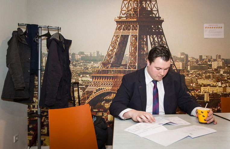 Het liefst zou Maksimovic doorrijden tot Londen of Parijs, maar dat kan nog niet vanwege de regelgeving. Beeld Dingena Mol