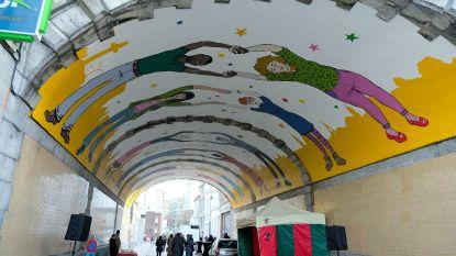 Tunnels onder Noord-Zuidverbinding verfraaid met nieuwe fresco's en tekeningen