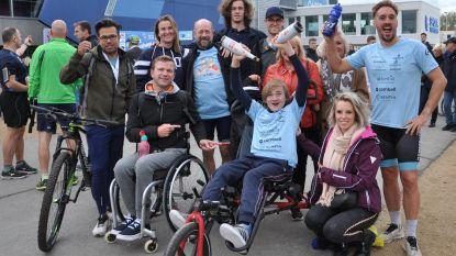 """Ultrakid Johannes en Ultraman Nico verbreken record marathon met een rolstoel: """"Iedereen kan ongelooflijke dingen doen"""""""