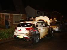 Autobrand in Waardenburg mogelijk ontstaan door ontplofte vuurwerkbom
