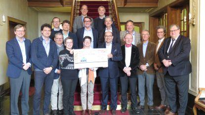 Rotary Club Roeselare schenkt opbrengst wijnactie aan goede doelen