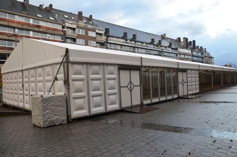 De opbouw van de schaatspiste voor 'Ninove On Ice' is van start gegaan.
