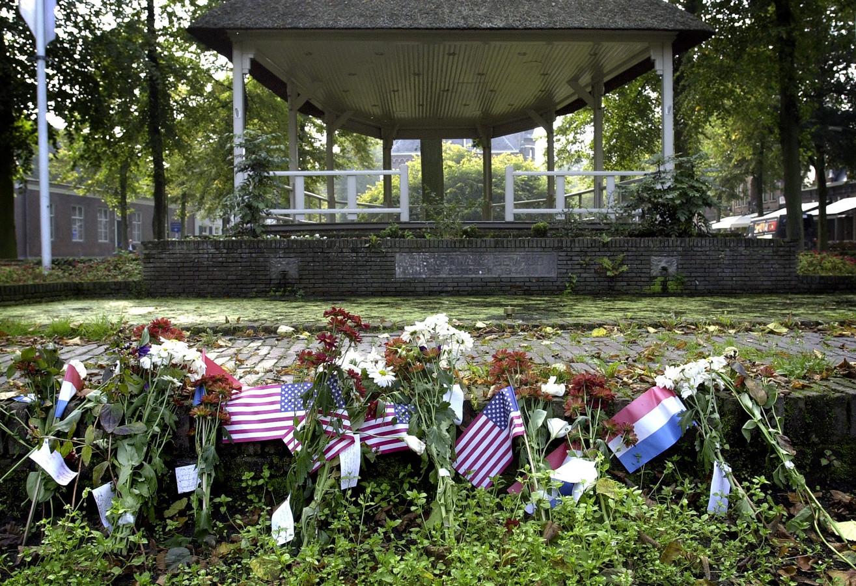In 2001 legden Oisterwijkers bij kiosk bloemen en vlaggen neer voor de terreuraanslagen in Amerika. Samen met de gerestaureerde vijver maakt de kiosk deel uit van het programma van Open Monumentendag.
