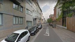Bewoner laat zak met 100.000 euro en 3,5 kg cocaïne achter op terras