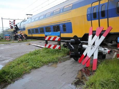 Trein botst en ontspoort: hele dag geen treinen tussen Roosendaal en Bergen op Zoom