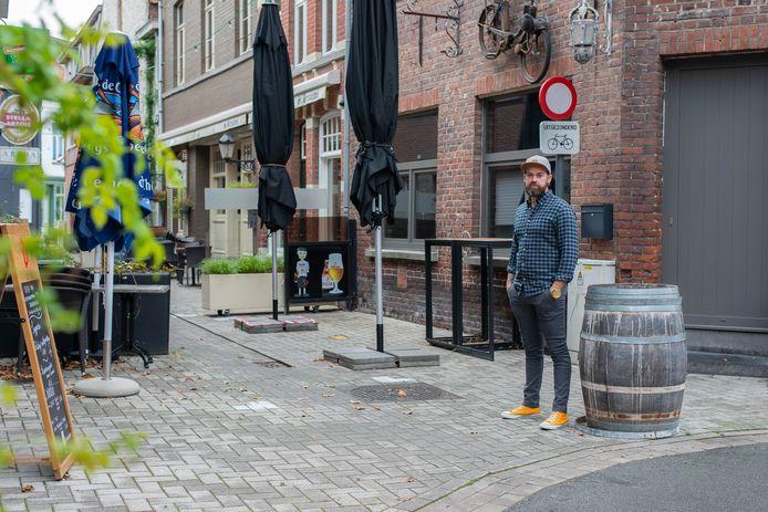 Gemeenteraadslid Kevin Carette kaartte de situatie in het Sint-Pietersstraatje bij het stadsbestuur aan.