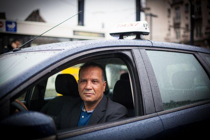 Taxichauffeur Mohammad Janati vond het envelopje met geld.