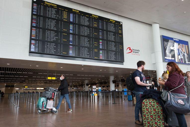 De luchthaven van Zaventem lag er gistermiddag verlaten bij. Heel wat vluchten werden geschrapt.