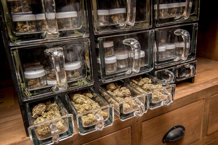 De Farmerie verkoopt ook cannabis, maar met een heel beperkte THC-waarde. Je wordt er dus niet high van.